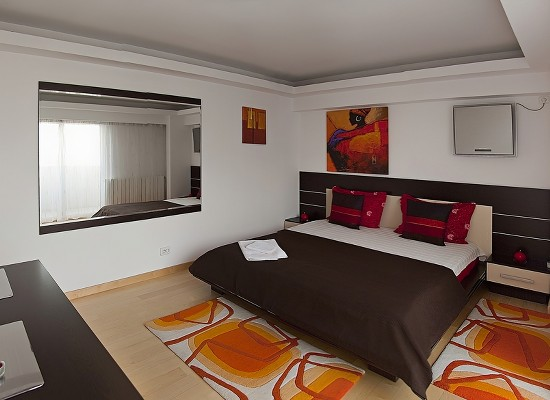 Apartment three bedrooms area Romana Bucharest, Romania - CASATA 2 - Picture 1